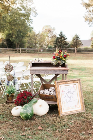 shillawna_ruffner_photography_cozy_decadent_fall_themed_inspiration_shoot_011