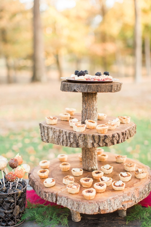 shillawna_ruffner_photography_cozy_decadent_fall_themed_inspiration_shoot_108