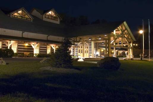 Discovery Lodge Night